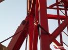 Übung der Absturzsicherung auf einer Baustelle im Heidfeld._5